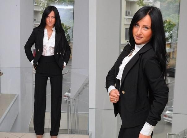 Женские костюмы для офиса